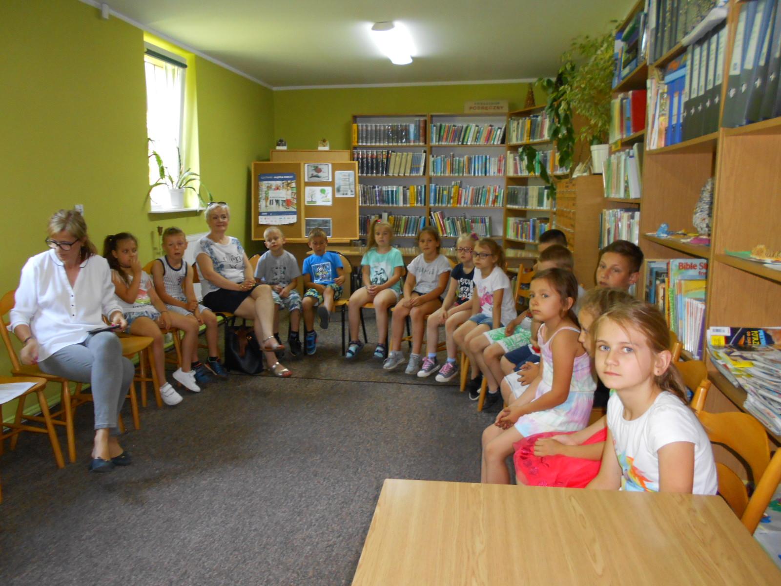 Pasowanie uczniów klasy I na czytelników